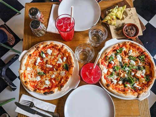 PIzzas_pizzadoor