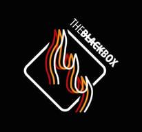 Pizzeria the black box logo 2020 créer une activité ultra rentable  avec le distributeur automatique de pizzas.jpg